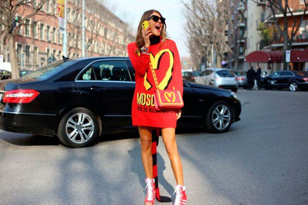 Anna Dello Russo в Moschino. Неделя моды в Милане осень/зима 2015