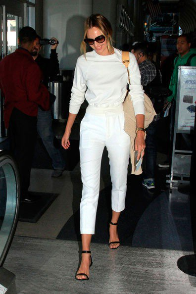 Кэ́ндис Све́йнпол, модель, Victoria's Secret, в аэропорту Лос-Анджелеса