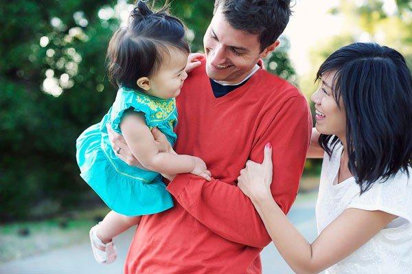 Идеи семейного фото. Фотография Элизы Джей - семья с маленьким ребенком