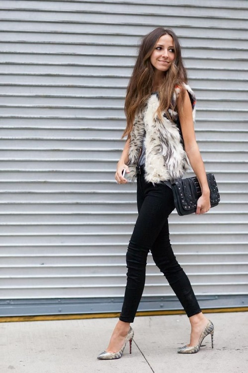 Фото красивых девушки в черных обтягивающих джинсах фото 730-576