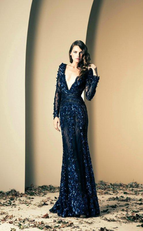 Платье василькового цвета длинное кружевное