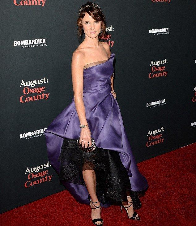 Джульетт Льюис в вечернем, фиолетовом платье