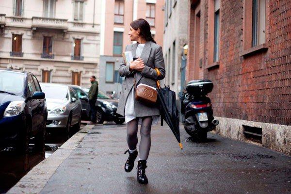 Gloria Baume в одежде от Alberta Ferretti. Неделя моды в Милане осень/зима 2015