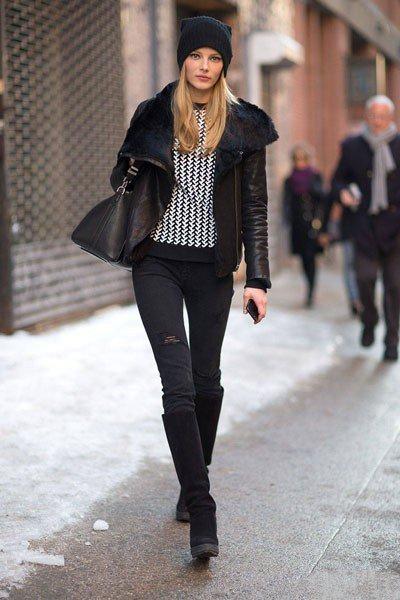 Короткая, кожаная куртка и облегающие штаны, не плохой выбор для осени