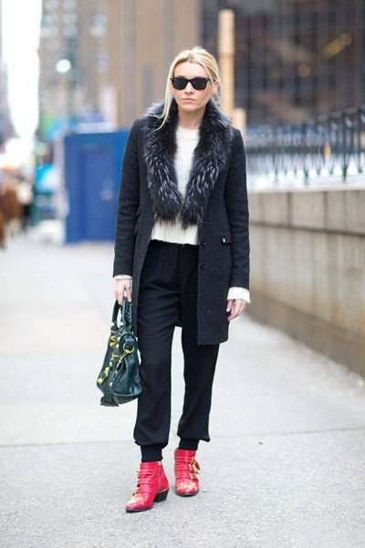 Jackie Swerz в ботинках Chloe