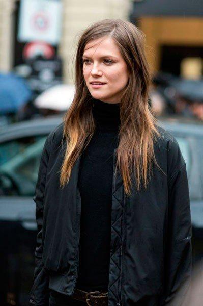 Kasia Struss в куртке от Gucci. Неделя моды в Милане осень/зима 2015