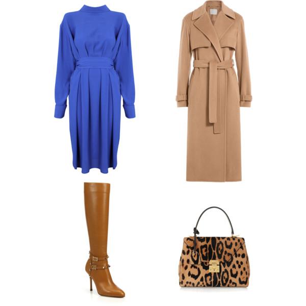 Лук с синим платьем под горло и бежевое пальто, леопардовая сумка