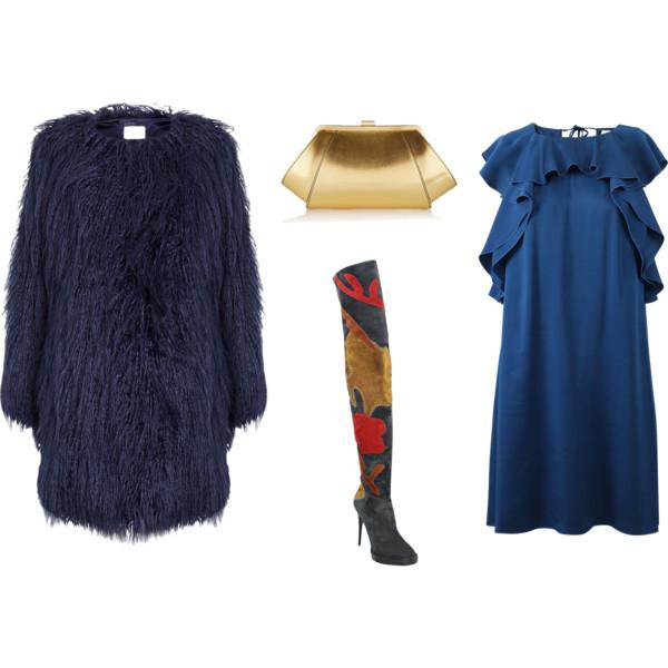 Лук с темно синим платьем с воланами и шуба, разноцветные высокие сапоги
