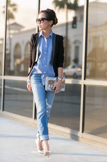 Носить бойфренды можно с рубахой подходящей по цвету и пиджаком очень стильный лук