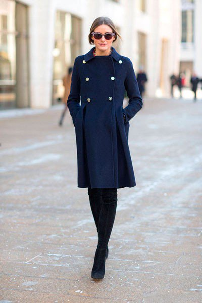 Olivia Palermo в пальто от Carolina Herrera