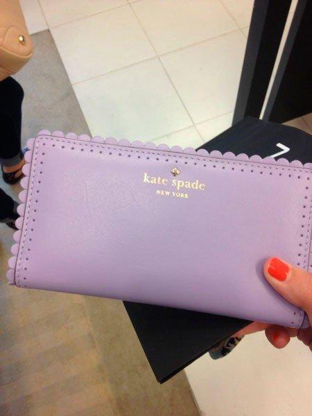 фиолетовый клатч Kate Spade