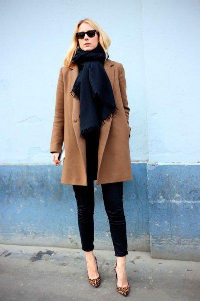 Девушка в одежде от Dsquared2. Неделя моды в Милане осень/зима 2015