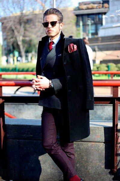 Парень в костюме и пальто от Jil Sander. Неделя моды в Милане осень/зима 2015