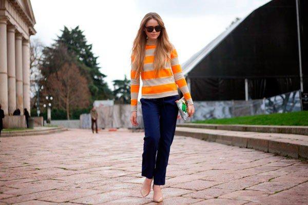 Девушка в одежде от Just Cavalli. Неделя моды в Милане осень/зима 2015