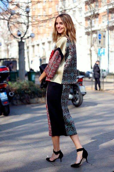 Девушка в костюме от Roberto Cavalli. Неделя моды в Милане осень/зима 2015