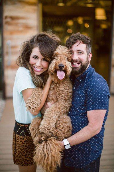 Идеи семейного фото. Трой Гровер - муж с женой, а между ними любимый пес