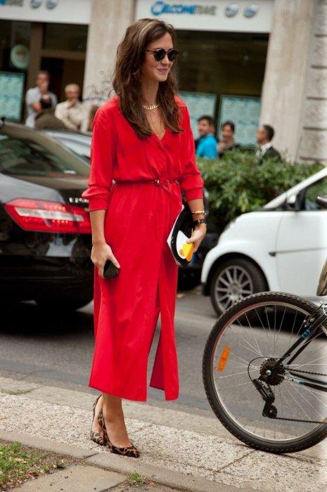 шикарное красное платье от Gucci.