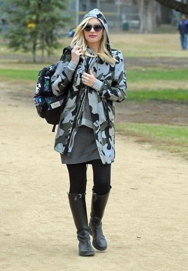 Гвен Стефани в камуфляжной куртке