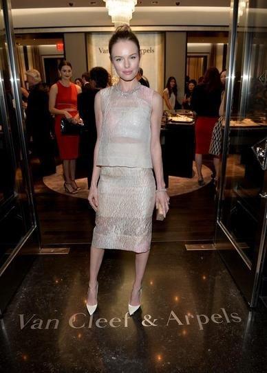 Кейт Босуорт в юбочном костюме