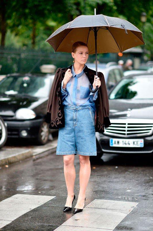 Вика Газинская на неделе моды в Париже весна/лето 2015