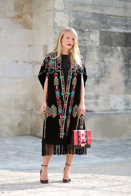 Kate Foley в платье от Valentino