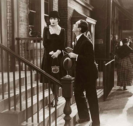 Клара Боу в черном платье