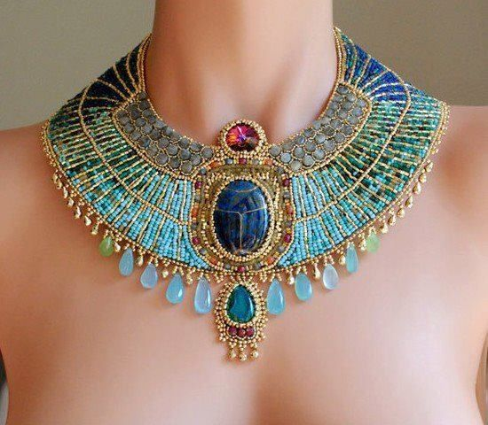 Ожерелье в египетском стиле