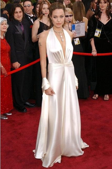 Анджелина Джоли в платье от Marc Bouwer, 2004 год