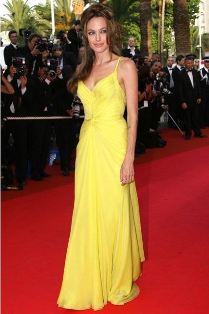 Анджелина Джоли в желтом платье от Emanuel Ungaro, 2007 год
