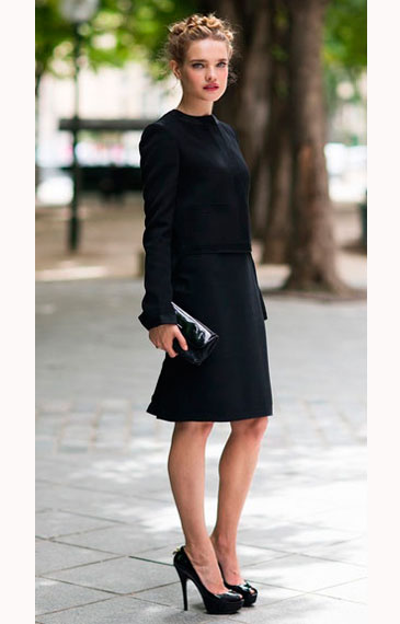 Наталья Водянова в маленьком черном платье
