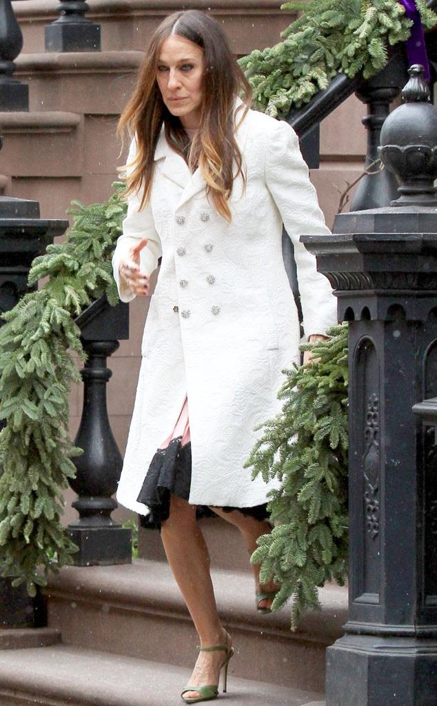 Сара Джессика Паркер в белом пальто