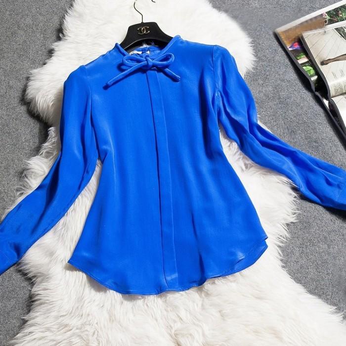 Блузка насыщенного синего цвета
