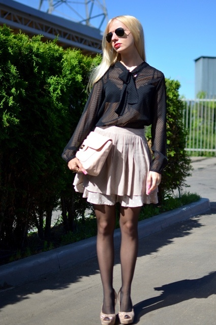 Русская девка с прозрачным юбкой фото 545-226