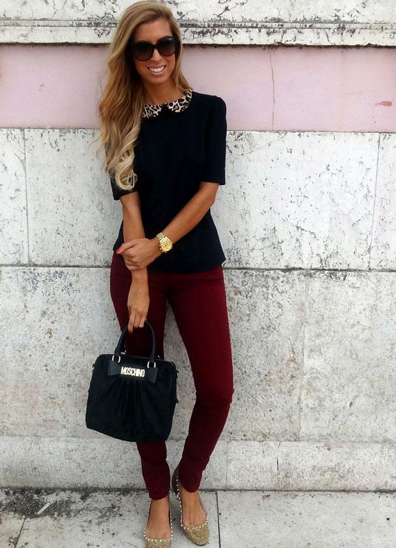 Девушка в черной блузке с леопардовым воротничком