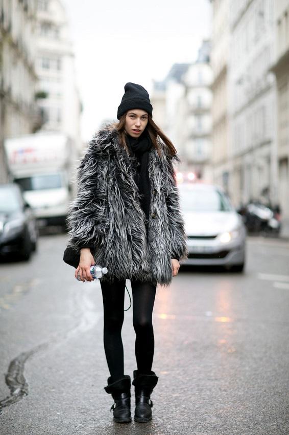 Не выходящее из моды осенне-зимнее меховое пальто никогда не сделает вас выглядящей старомодно