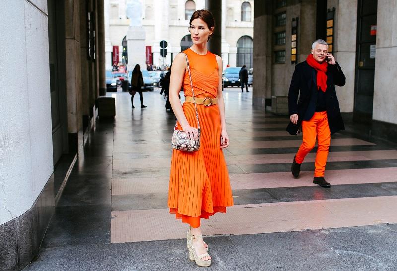 Оранжевый цвет полюбился модникам обоих полов