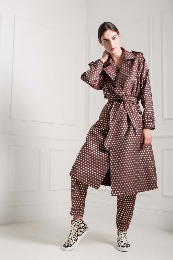 Пальто в пижамном стиле