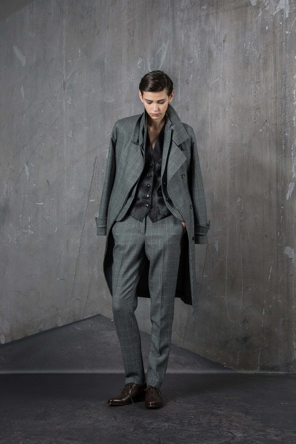 Полуформальное пальто, сочетающееся с брюками - тенденции моды осень/зима 2015/2016