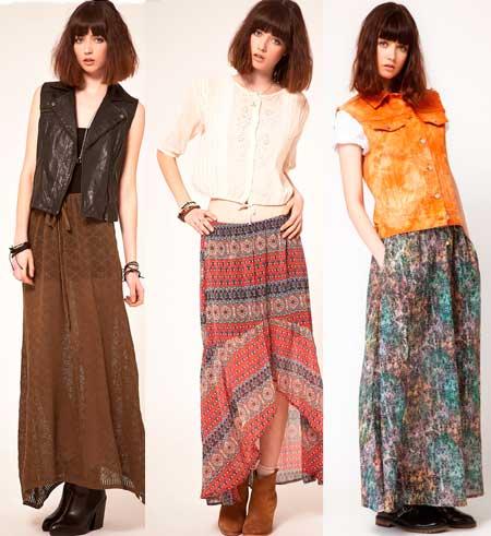 Девушка в длинных юбках и разных жилетах