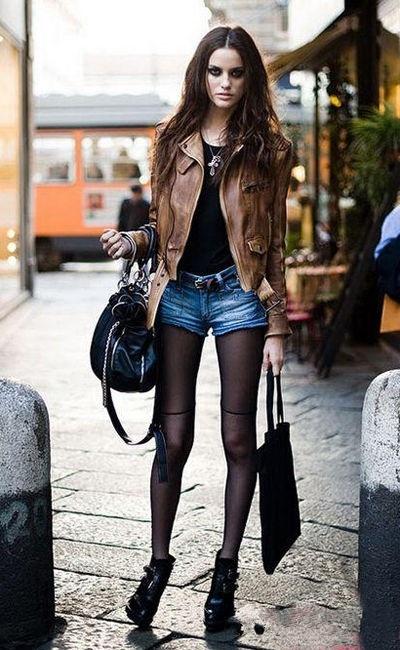 Фото девушка в черных прозрачных шортах фото 326-328