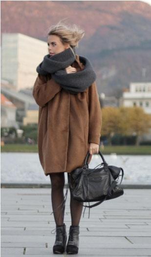 Объемному пальто оверсайз - объемный шарф!
