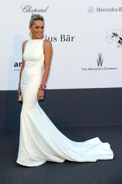 Шэрон Стоун в роскошном белом платье