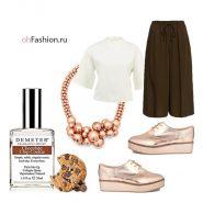 коричневые капри полуботинки белая блуза