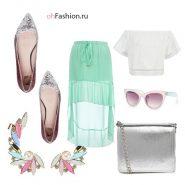 Нежный образ, серебряные балетки и клатч, мягкая юбка пляжная, белый топ каффы