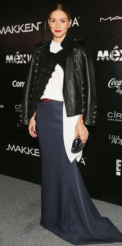 Оливия Палермо в черной юбке со шлейфом и кожаной куртке
