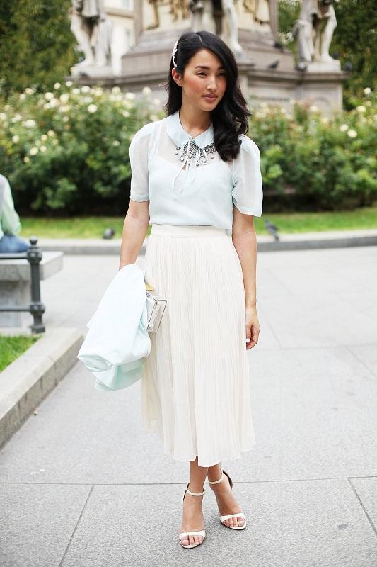 Романтический образ, белая макси юбка и блуза