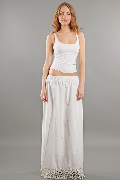 женщинамв белой юбке