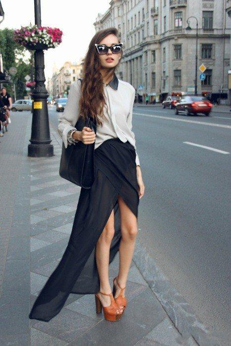 девушка в черной юбке и белой рубашке
