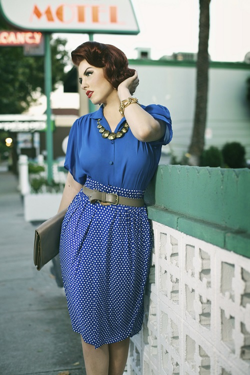 Юбка и блузка в синий горошек