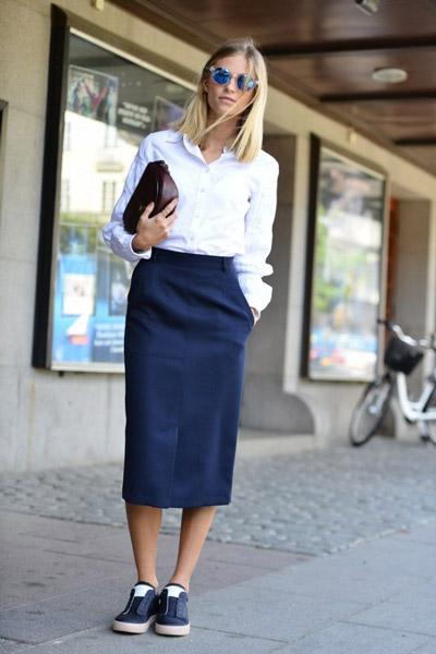 Синяя юбка карандаш ниже колена